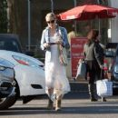 Kate Hudson in Long Dress at the Electric Lodge in Venice - 454 x 379