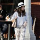 Jenna Dewan Getting Her Nails On In West Hollywood