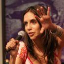 Paola Mendoza - 405 x 594
