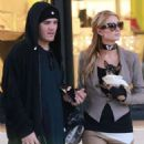Paris Hilton – Shopping at Barneys New York in Beverly Hills - 454 x 681