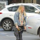Hilary Duff Out for a Sushi Dinner in Beverly Hills - 454 x 586
