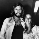 Barry Gibb And Linda Gray - 454 x 585