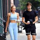 Romee Strijd in Blue Workout Gear – Coming home with hubby Laurens van Leeuwen in NYC - 454 x 681