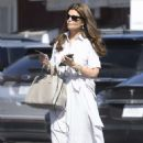 Maria Shriver out for a shopping in Los Angeles - 454 x 681