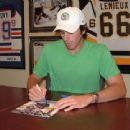 Sabres goalie Ryan Miller signing at dacardworld.com - 454 x 340