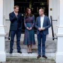 Prince William, Duchess Catherine and Harry dine with President Obama - 454 x 309