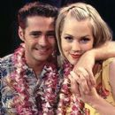 Jennie Garth as Kelly Taylor and Jason Priestley as Brandon Walsh in Beverly Hills 90210.