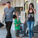 Megan Fox And Brian Austin Green Picking Up His Son From Karate Class 2 - 454 x 525