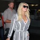 Jessica Simpson is seen as she arrives to Los Angeles Int'l Airport from NYC Friday September 11,2015 - 454 x 599