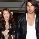Random photos of Miley Cyrus, Justin Gaston - 368 x 534
