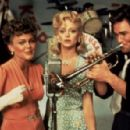 Belinda Carlisle, Goldie Hawn and Kurt Russell in Swing Shift (1984)