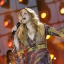 Lara Fabian - France 2 Live Show ' Fete De La Musique' In The Bagatelle Gardens On June 21, 2008, In Paris, France - 454 x 296