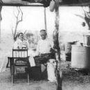 Wyatt Earp and Josephine Earp - 454 x 376