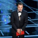 Leonardo Di Caprio At The 89th Annual Academy Awards - Show (2017) - 454 x 303