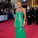 Viola Davis At The 84th Annual Academy Awards (2012) - 418 x 594