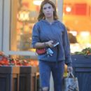 Elisabetta Canalis – Shopping at Bristol Farms in Beverly Hills - 454 x 681