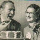 Art Linkletter With LoisThe Winner Of The Pillsbury Bake-Off - 411 x 334