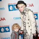 Single Ashlee Simpson: Milk + Bookies Mommy