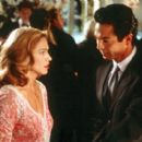 Madonna and Benjamin Bratt in Paramount's The Next Best Thing - 2000 - 400 x 270