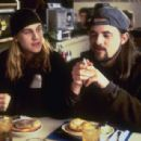 Chasing Amy (1997) - 454 x 307