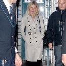 Gwyneth Paltrow - Leaving The Ritz Hotel In Paris 10/06/2009