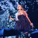 Ariana Grande – Performs at Billboard Music Awards 2018 in Las Vegas - 454 x 613