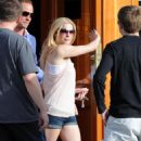 LeAnn Rimes - Leaving A Restaurant In Santa Monica, 2009-06-23