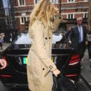 Sienna Miller – Arrives at The Apollo Theatre for A Cat On A Hot Tin Roof in London - 454 x 682