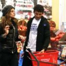 Izabel Goulart with her brother shopping in New York - 454 x 313