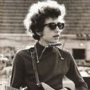 Bob Dylan - 454 x 698