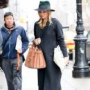 Rosie Huntington-Whiteley was seen holding her pregnant belly while shopping at ABC Carpet & Home store in New York City, New York on April 6, 2017 - 411 x 600