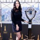 Laura Prepon – Visits the Empire State Building in NYC - 454 x 652