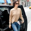 Katherine Waterston in Jeans out in New York City - 454 x 683