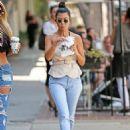 Kourtney Kardashian – Seen Out in Los Angeles - 454 x 600