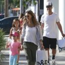 Jessica Alba and Her Family Enjoy a Day Out in Beverly Hills - 454 x 572