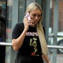 Amber Turner – makeup free in Manchester - 454 x 664