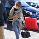 Gigi Hadid in Jeans – Arriving at the airport in Milan - 454 x 681