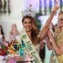 Alyz Henrich- Miss Earth 2013 Coronation - 454 x 303
