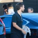 Tobey Maguire & Jennifer Meyer Get Dinner At Nobu With Friends - July 2, 2016 - 454 x 579