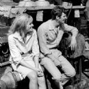 Ursula Andress and Jean-Paul Belmondo - 454 x 521