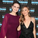 Emily Deschanel – 2018 Mercy for Animals Gala in Los Angeles - 454 x 604