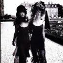 Kristen McMenamy and Linda Evangelista - 454 x 607
