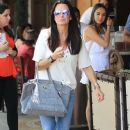 Kyle Richards and husband Mauricio Umansky take their daughters Alexia, Sophia and Portia out for lunch in Beverly Hills, California on June 10, 2016 - 381 x 600