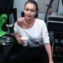 Gigi Hadid – Attends Prabal Gurung fashion show at 2017 NYFW - 454 x 681