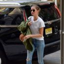 Gisele Bundchen – Arriving home in New York City