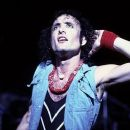 Kevin DuBrow - 383 x 465