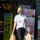 Charlize Theron – Shopping candids in Los Angeles - 454 x 637