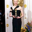Nicole Kidman At The 75th Annual Academy Awards (2003) - Press Room - 300 x 500