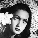 Dorothy Lamour - 311 x 400