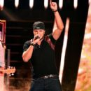 Luke Bryan-June 10, 2015-2015 CMT Music Awards - Show - 417 x 600